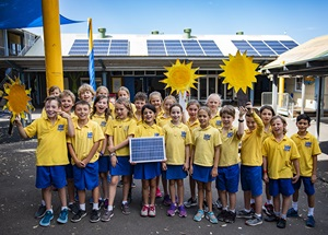Children participating in the 3 Council Program, Randwick, Waverley and Woollahra Councils, Solar my School project