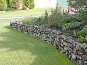 Bushrock wall in garden