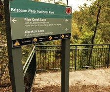 Girrakool Loop Track and Piles Creek Loop (Signpost at Illoura Lookout), Brisbane Water National Park