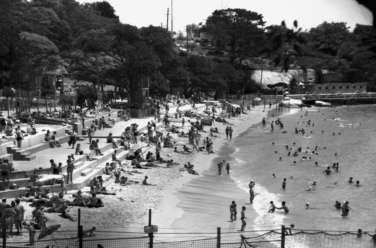 Black and white image of the Nielsen Park beachfront