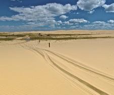 4WD beach drive, Worimi National Park