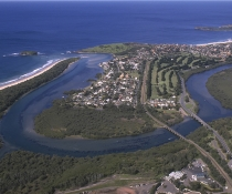 Aerial veiw of coastline at Minnamurra.